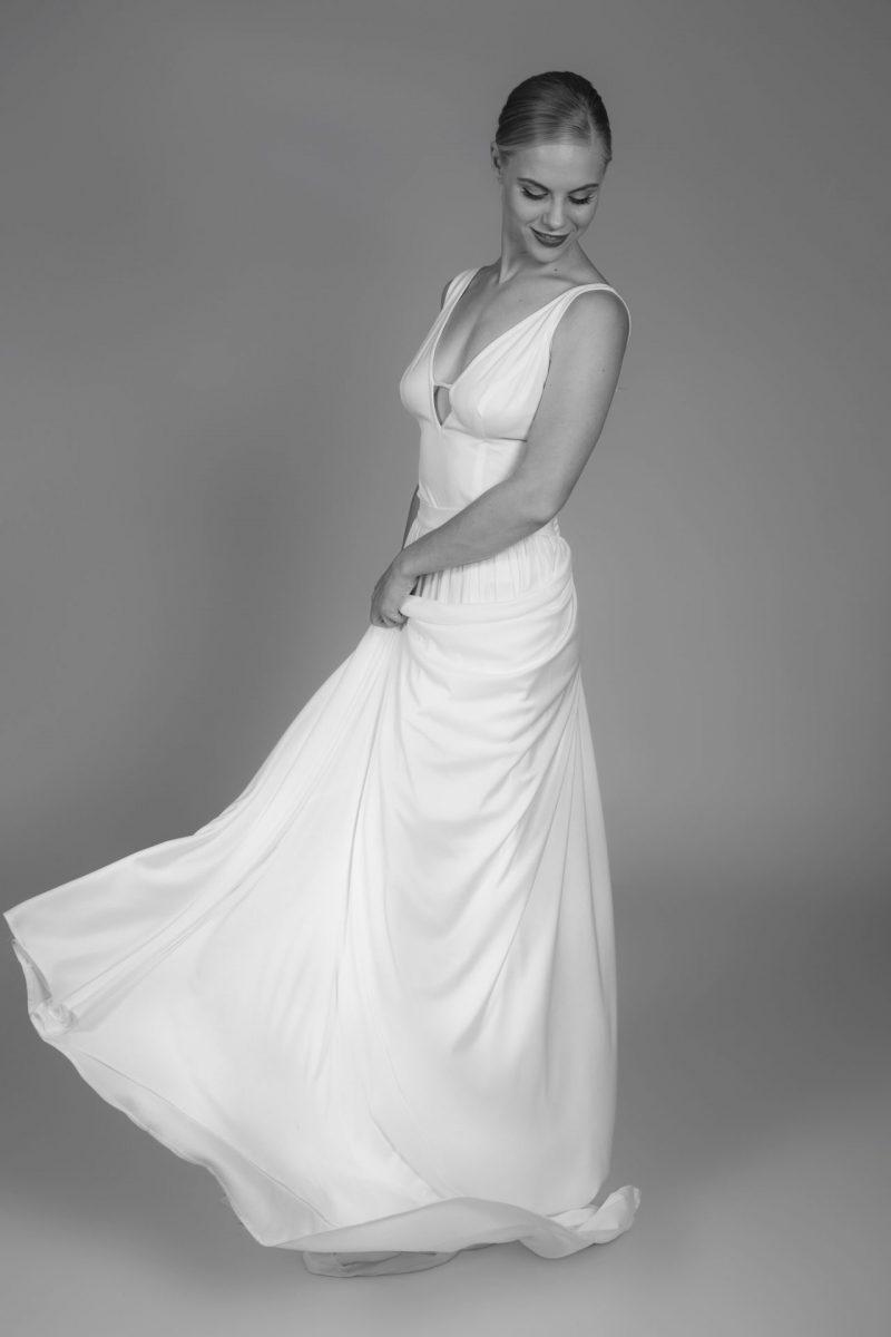 Minimalist Bride 4