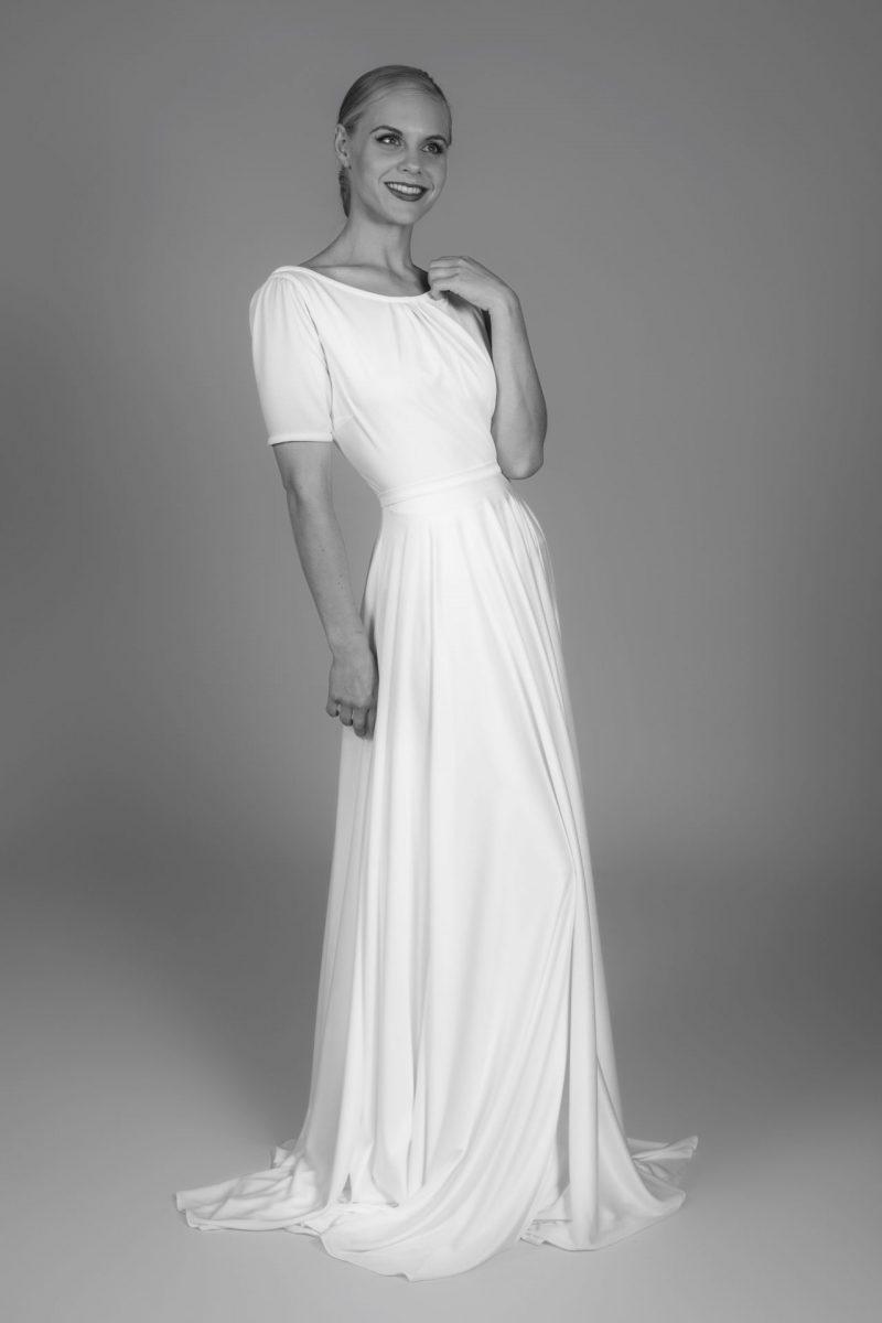 Minimalist Bride 5