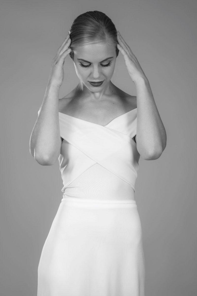 Minimalist Bride 10