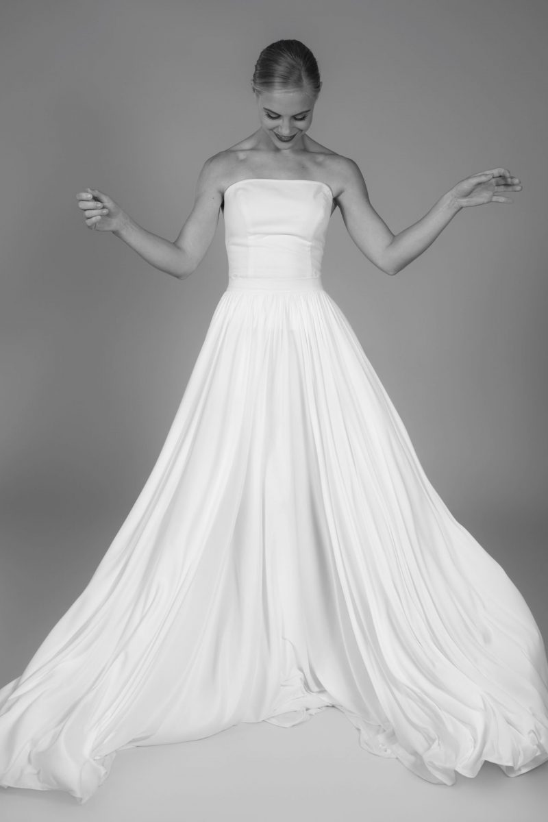 Minimalist Bride 8