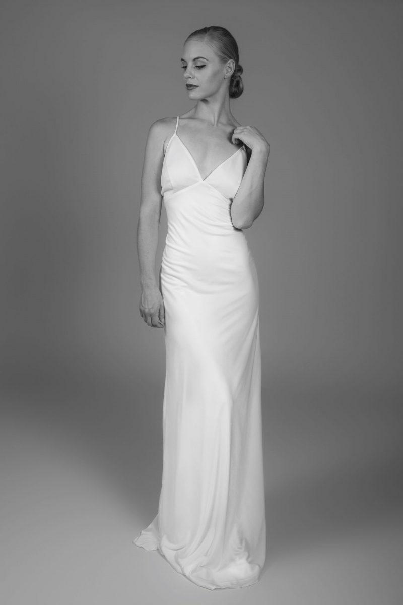 Minimalist Bride 15
