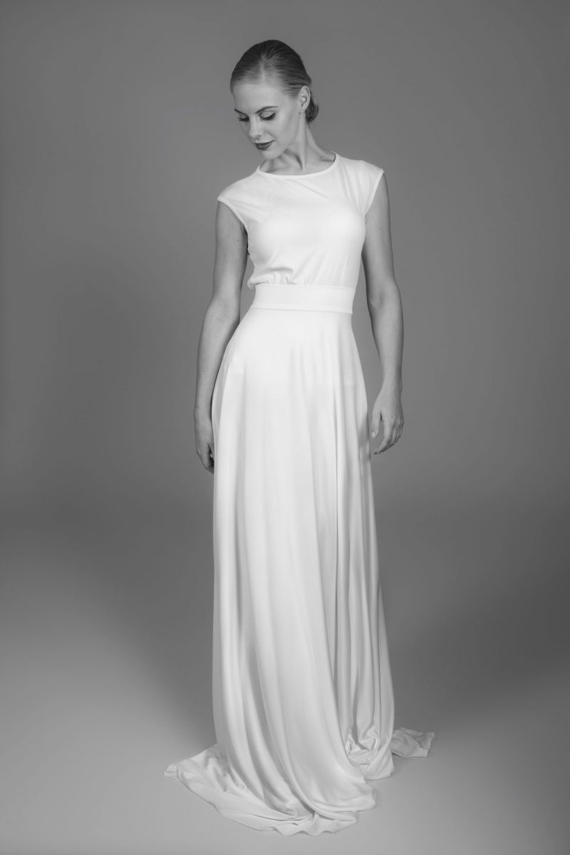Minimalist Bride 17