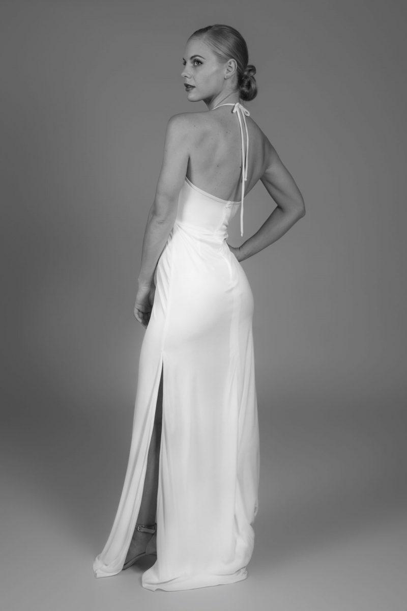 Minimalist Bride 19