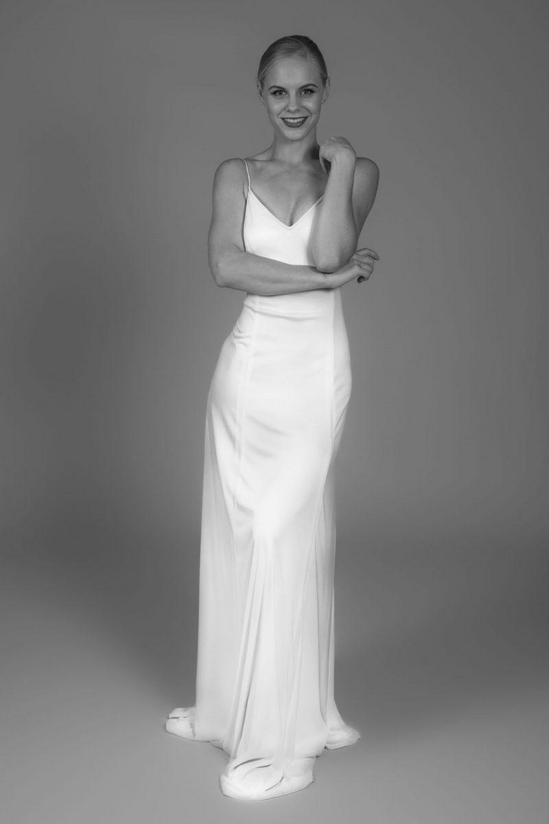 Minimalist Bride 24